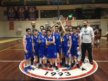 Bronze Medal of Çevre College Middle Basketball Team