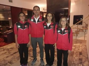 Sporcularımız Kulüpler Arası 11-12 Yaş Yüzme Bölge Şampiyonası'nda Kürsüde