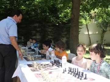 5th Simultaneous Chess Show