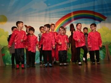 1.Sınıflar Yılsonu Gösterisinde İzleyenleri Büyüledi