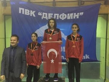Öğrencimiz Nemo Cup 2017 Yüzme Yarışması'nda Birinci Oldu