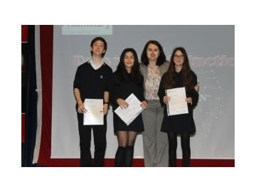 Lise Uluslararası Sertifika Töreni