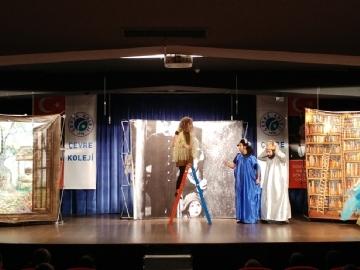 Sütlü Nuriye Tiyatro Oyunu