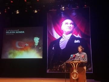 Şiir Yarışmasında İstanbul Birinciliği