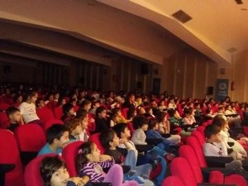 Hazırlık Sınıfı Öğrencilerimiz Tiyatro İzliyor